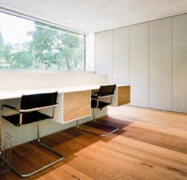 Büromöbel und Schrank