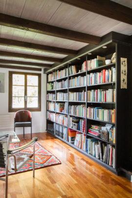 Büchergestell