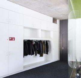 Schrank und Garderobe